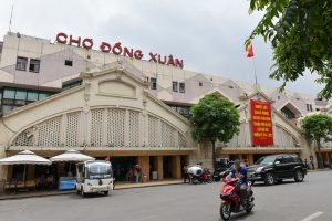 Từ sân bay Nội Bài có thể đi đến những khu chợ nào?
