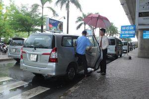 Tìm hiểu quy trình đón khách quốc tế tại sân bay Nội Bài