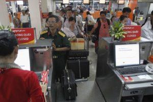 Thủ tục lấy vé máy bay tại sân bay Nội Bài như thế nào?