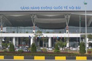 Bệnh viện nào gần sân bay Nội Bài? Đi taxi có tiện không?